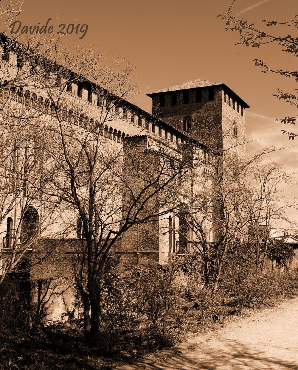 Pavia (Lombardia – Italia). Castello Visconteo: ingresso principale e fronte Sud-Ovest. Davide Tansini. 2019. Fotografia digitale